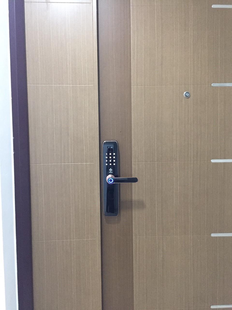 Lắp đặt khóa cửa điện tử tphcm