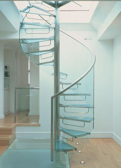 mẫu cầu thang kính cường lực