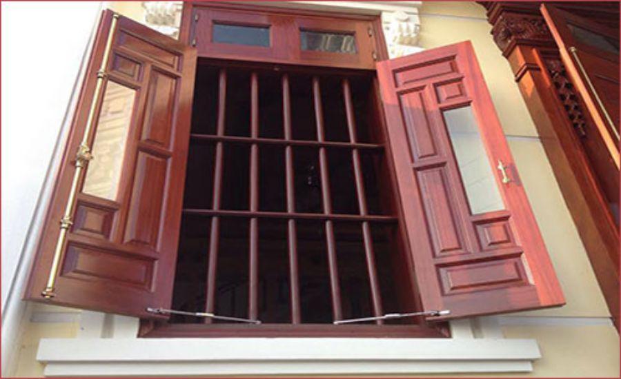 15+ mẫu song cửa sổ bằng gỗ, inox đẹp cho cửa nhà bạn