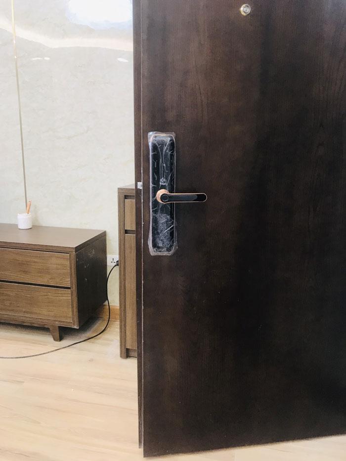 Dịch vụ lắp khóa cửa vân tay thông minh tại Cần Thơ uy tín